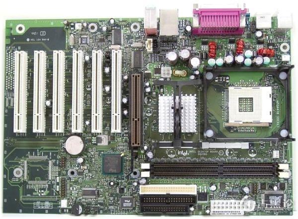 电脑里面的江湖 之 主板 intel-d845bg.jpg