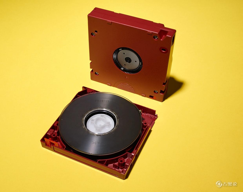 海量数据存储的未来仍然是磁带 MzExNjk2OA.jpeg